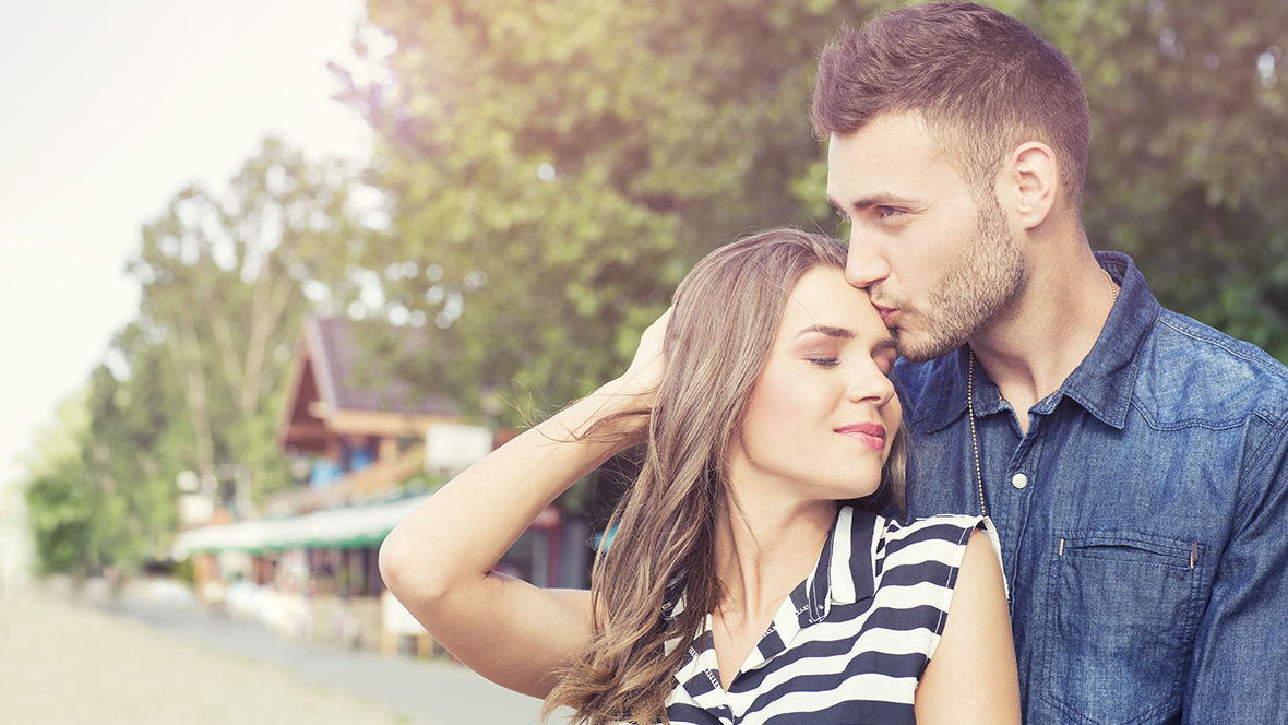 Capricorn Man Falling in Love Signs